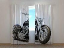 Fekete motorbicikli