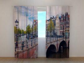 Híd Amszterdamban