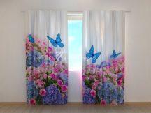 Kerti csokor és kék pillangók
